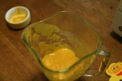 Puréed peach sauce