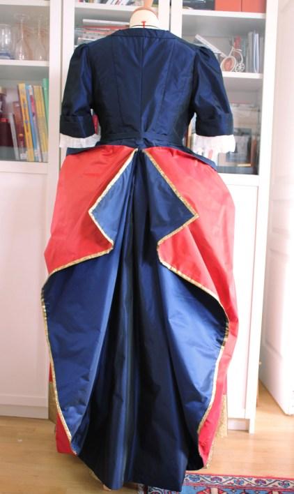 robe à la mantua par Fée au Château costumière 78 92
