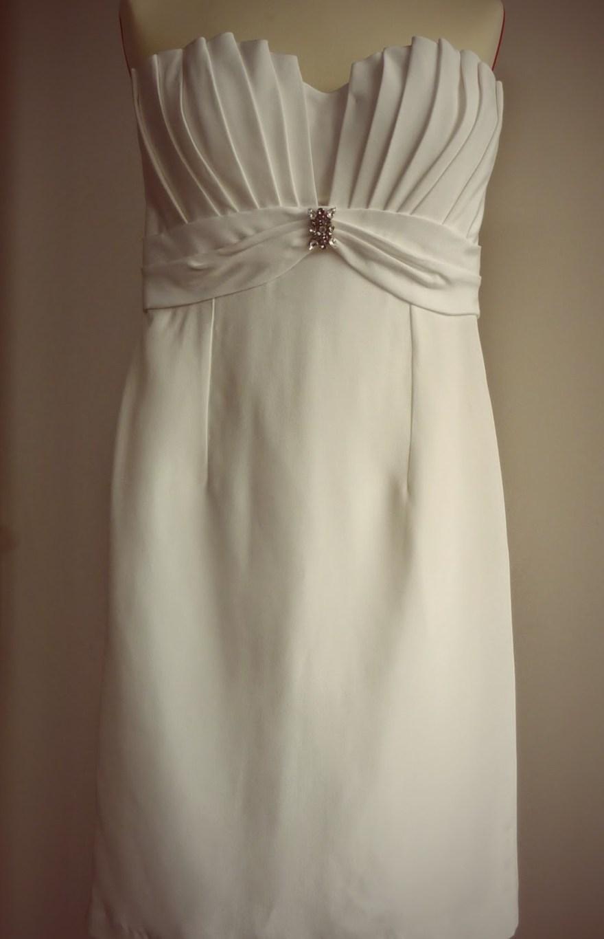robe bustier en crêpe de soie drapée