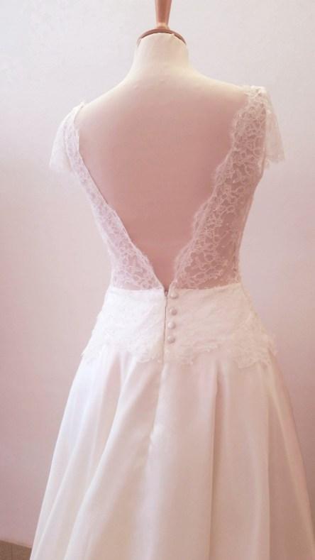 création de robe en dentelle couture