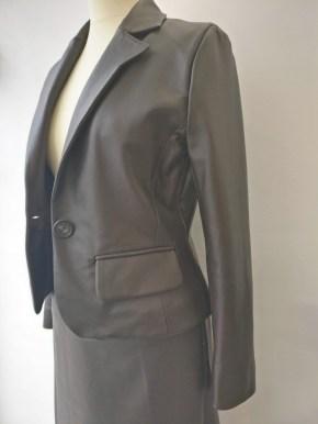 veste tailleur couture en cuir à Versailles