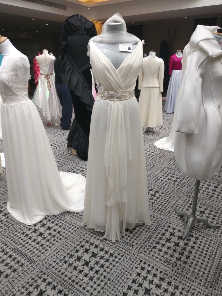 robe de mariée en mousseline par Fée au Château couturière créatrice à Versailles