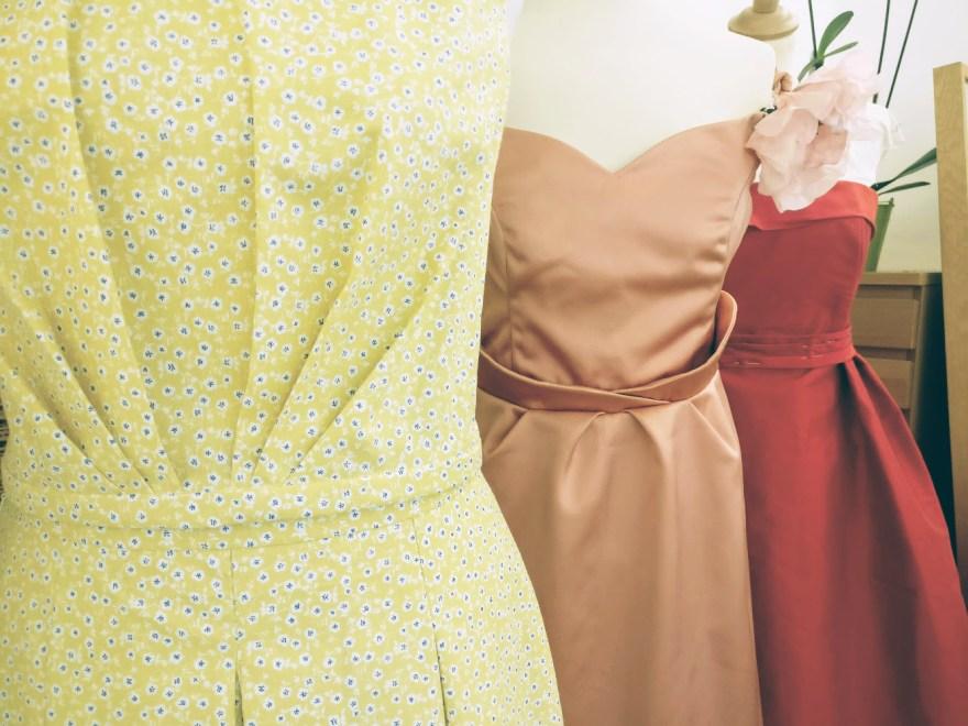 robes et deux pièces sur mesure intemporelles par Fée au Château couture à Versailles