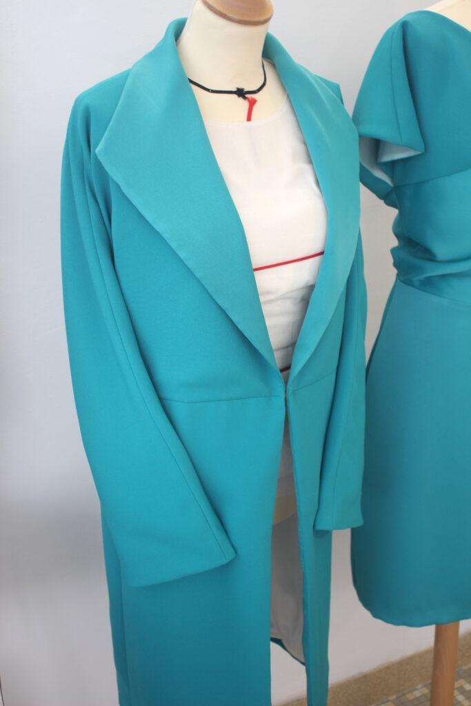 manteau pour invité au mariage par Fée au Château créatrice à Versailles