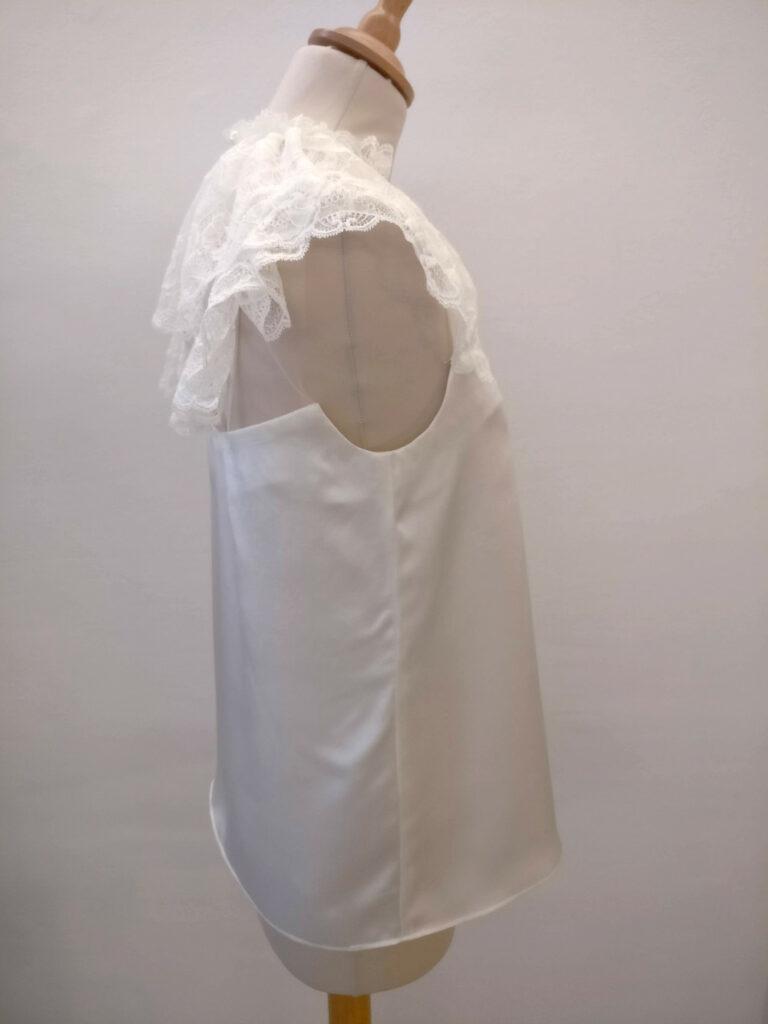 Haut en dentelle mariée par Fée au Château couture sur mesure