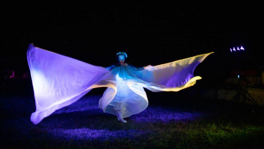 Cape de Loïe Fuller danseuse Natacha Danse photographe Malric Lacombe