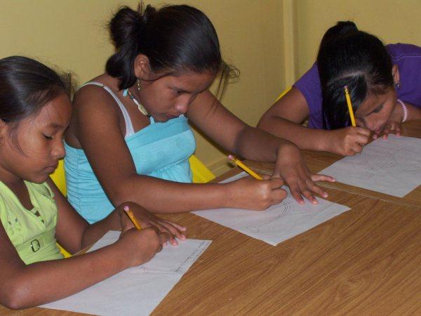 Filles-étudiantes-Mission-Pascuales