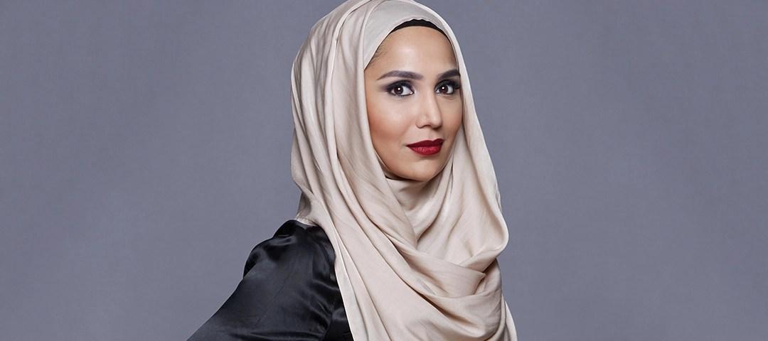 L'Oreal,first hijab model,anti israel tweets,Amena Khan