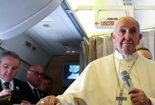 pope warns world,Pope Fracis,nuclear war