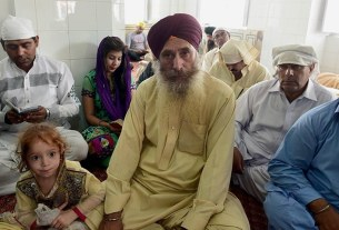 Sikhs in Pakistan,minorities in pakistan,attacks on sikhs in pak
