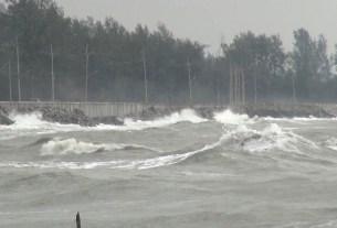 Thailand ,sea storm ,Phuket ,World News