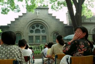 no place to worship, curb on religious freedom, China, Catholic community, World News