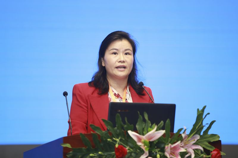 Zhou Qunfei, trade war, richest woman of china, World News