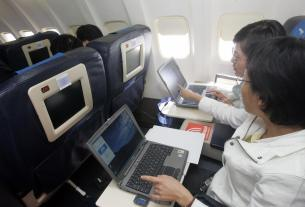 voice and data service during flight, In Flight Connectivity, Business News
