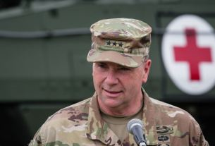 war, Russia, China, ben hodges, Army commander, America, World News