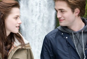 Know the symbolism behind the Twilight series Book covers!