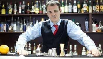 EXCLUSIV: Interviu cu Sir Angus Winchester, barmanul Casei Regale Britanice