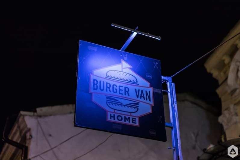 Feeder @ Burger Van Home (19)