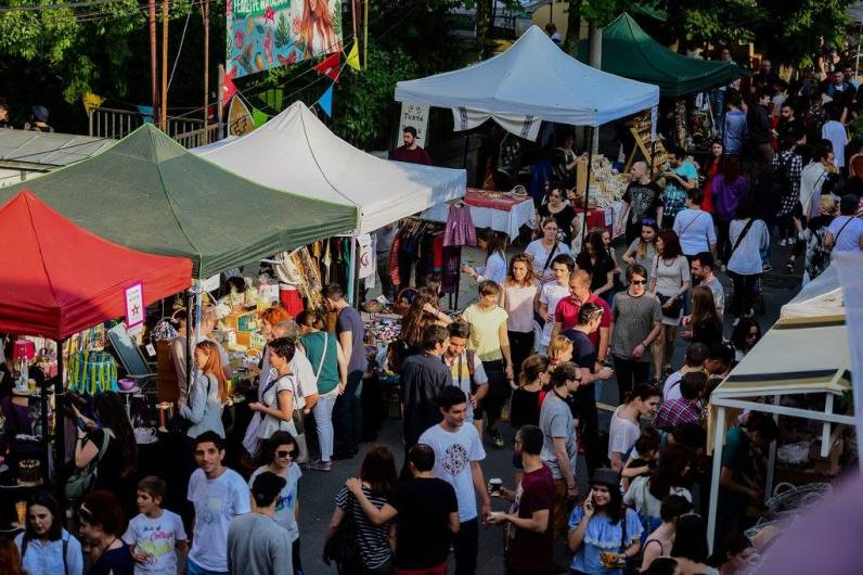 Femei pe Matasari street festival bucharest 2017