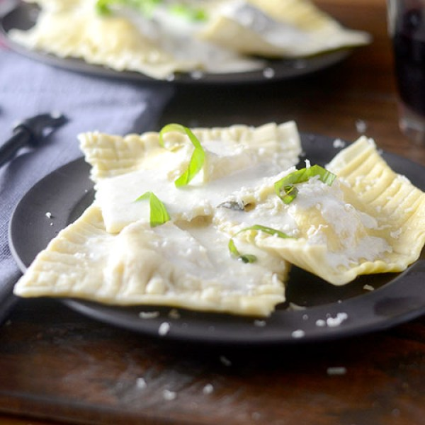 """Ravioli with a Basil Cream Sauce #ravioli #basil #cream sauce / feedyoursoul2.com"""
