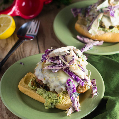 Mexican Turkey Burger #groundturkey #Mexican #burger | feedyoursoul2.com