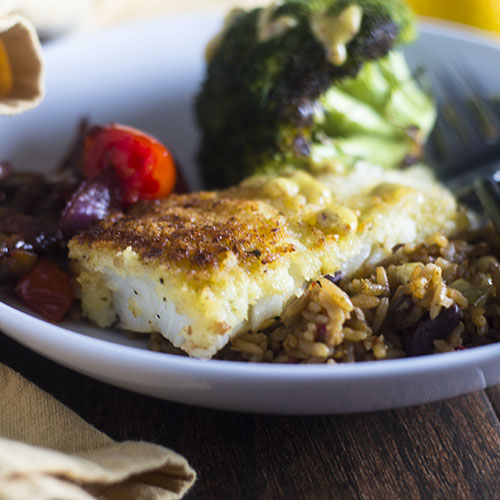 Parmesan Crusted Cod #seafood #dinner #parmesancrusted | feedyoursoul2.com