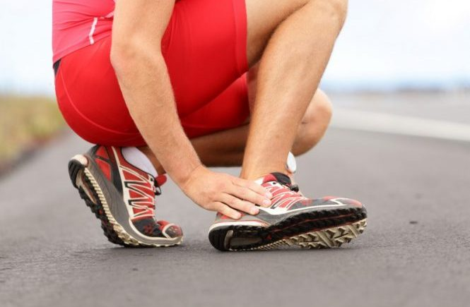 Osteopaths treat sports injuries such as knee pain or ankle sprains in Kenilworth and Warwick