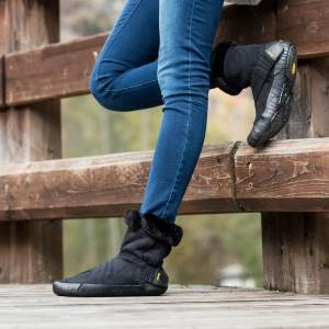 Vibram_furoshiki_Eastern_Traveler_Black_casual