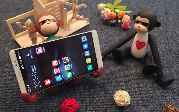 Portable Long Arm Monkey Desk Cell Phone Holder FeelGift