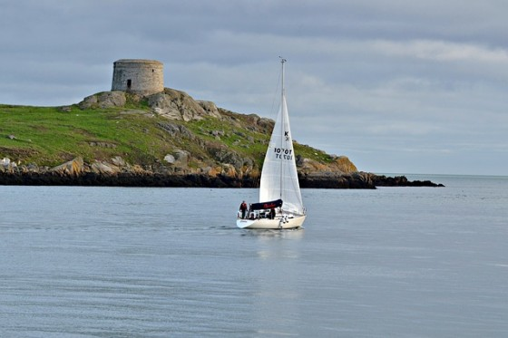 sailing-211750_640