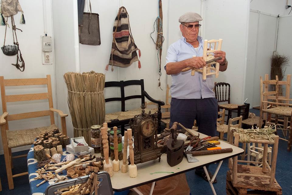 Artesão e artesanato mourense (Fotografia do Município de Moura)