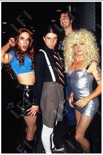 Nirvana Red Hot Chili Peppers Anthony Kiedis Dave Grohl Flea In Drag MTV Live And Loud