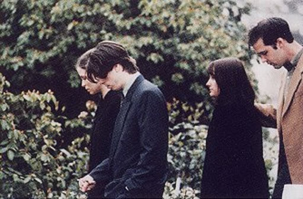 Dave Grohl Wife Jennifer Youngblood Krist Novoselic Shelli Kurt Cobain Funeral Service