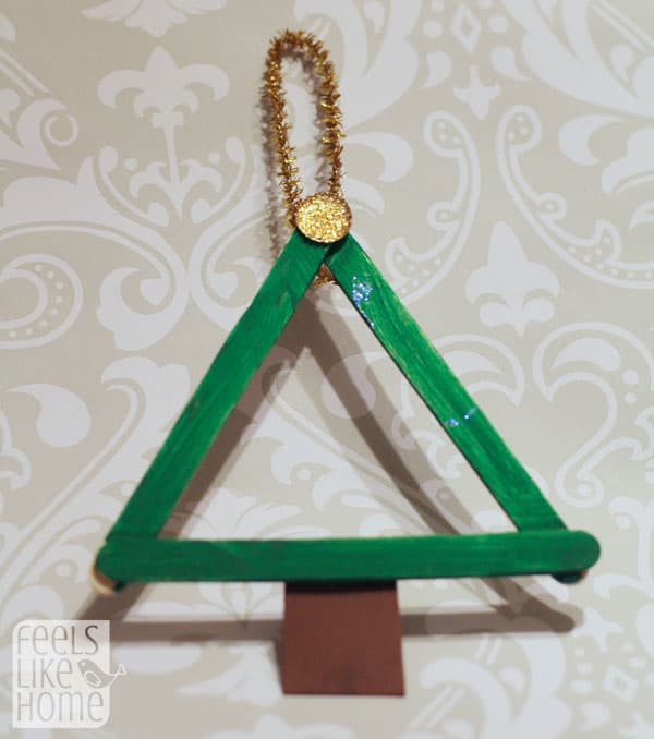 popsicle-stick-christmas-trees-preschoolers-plain