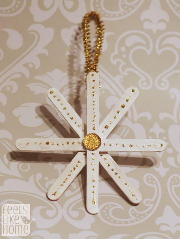 snowflake-ornaments-easy-preschool-craft-gold