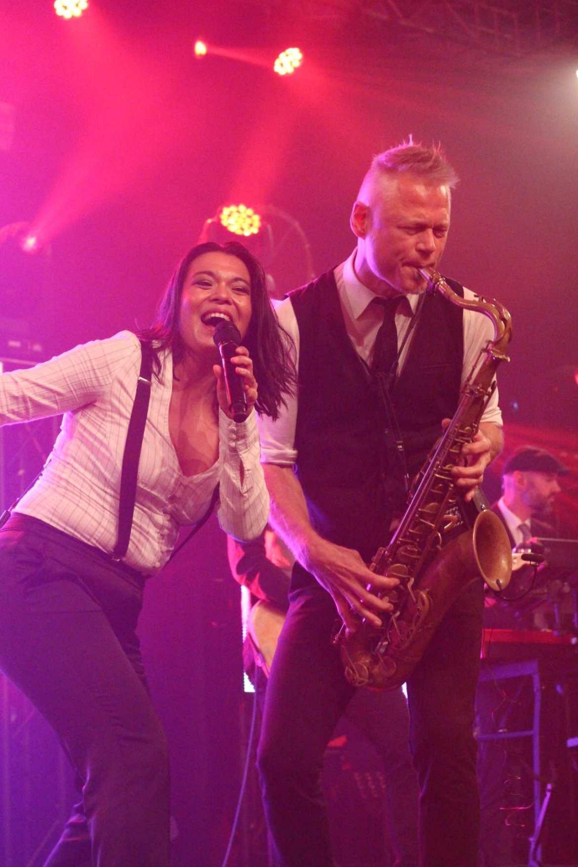 Big Black and Beautiful Live DMG Mandemakers Waalwijk | feestband.com