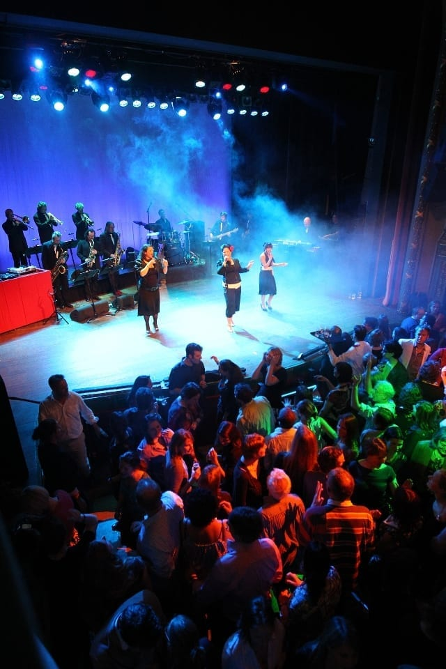 Bigband blazerssectie - big band style event blazers sectie - coverband feestband Boston Tea Party | feestband.com