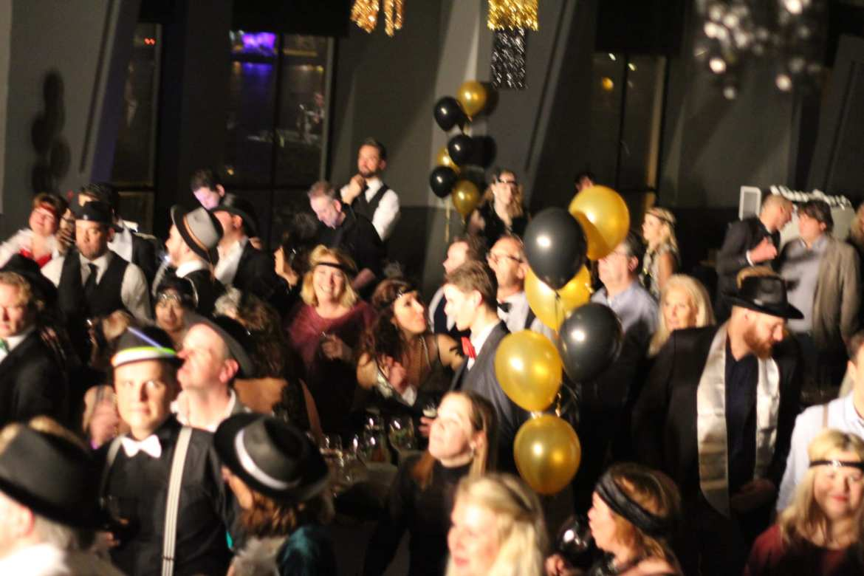 Great Gatsby thema feest voor Vakmedianet in Taets Art Gallery Zaandam feestband.com