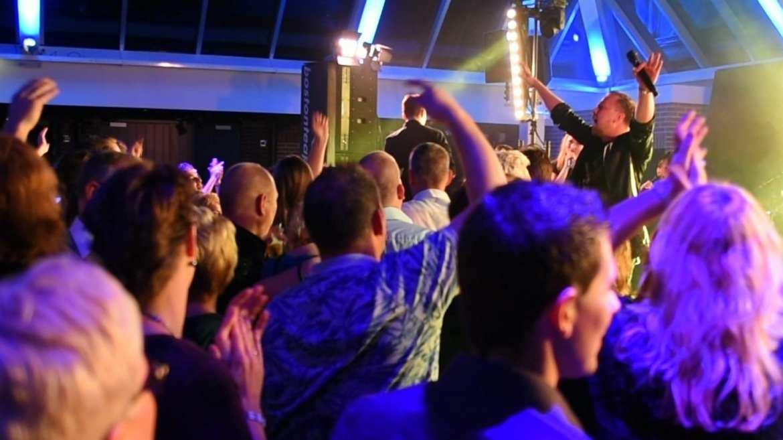Jamai boeken met live band - Jamai Loman | feestband.com