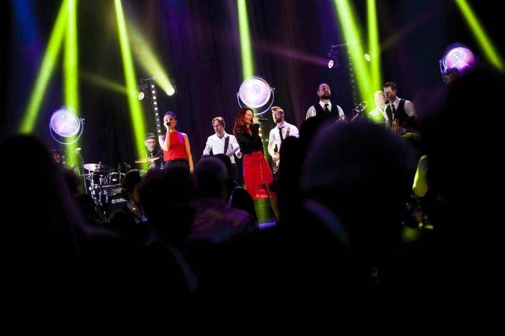 coverband DeBand.NL | foto's Leonie Kuizenga | feestband.com