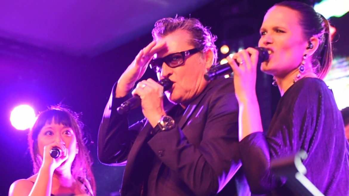 Barry Hay (Golden Earring / Flying V Formation) live met band - Radar love and more | feestband.com