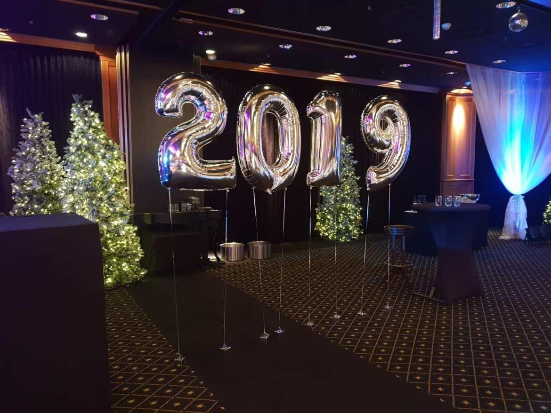 Huis ter Duin start 2019 feestelijk met Boston Tea Party | feestband.com