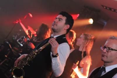 Uitreiking Parkstad Awards met soul zangeres Ruth Jacott en DeBand | feestband.com