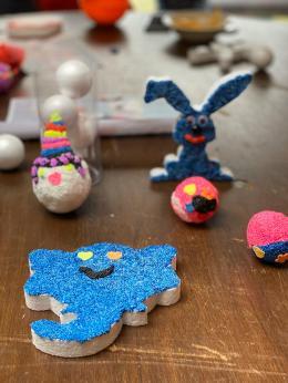 Piepschuimfiguren met Foam clay