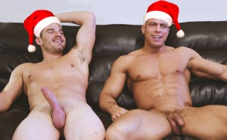 Gayhoopla Hunk Blake Jackson FUCKS Bodybuilder Sean Costin Gays Sex Condom Big Cock Male Feet Closeup Cock Ass x-mas edition feat