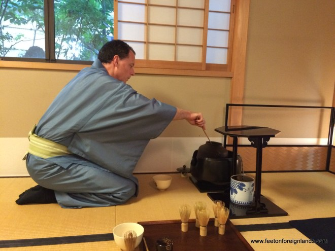 Tea ceremony workshop Ju-An Kyoto: www.feetonforeignlands.com