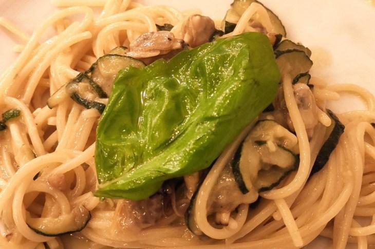 Oggi un piatto che ricorda Nerano (in costiera sorrentina). Per veri esperti:  1) Il nome del piatto?  2) Perché fu ideato?  3) Il ristorante che po
