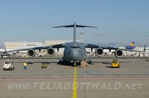 USAirForce_C17A_04-4136_FRA_2013-11-11_02cr
