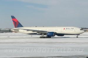 Delta - Boeing B777 - N7001 at Detroit DTW