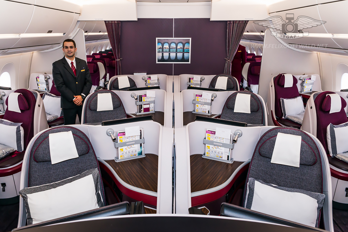 Qatar Airways Airbus A350-900 - Business Class seat